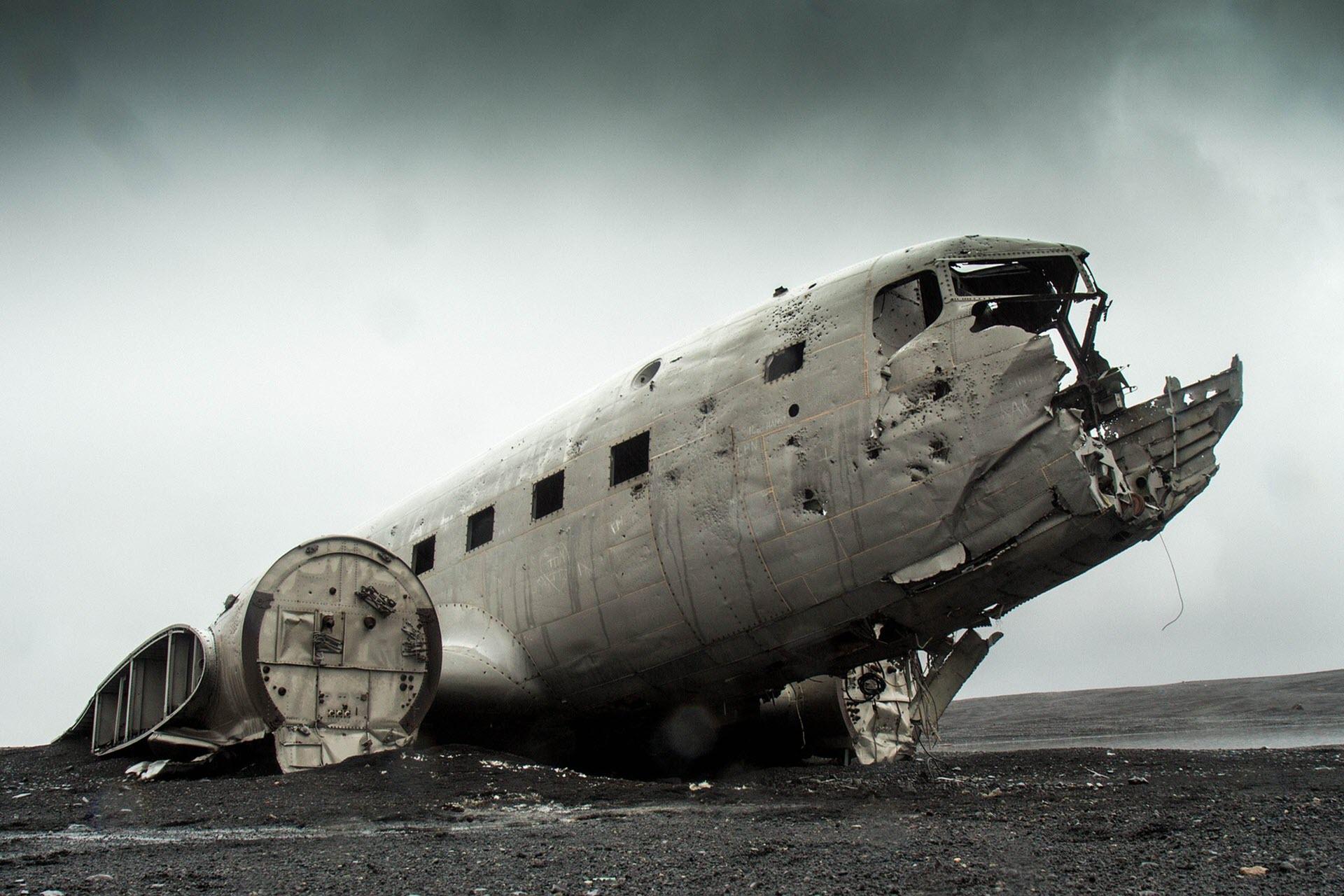 Flugzeug stürzt ab ✈️ – und das geht dir durch den Kopf! 🤔
